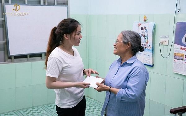 Viện thẩm mỹ DIVA đến thăm và tặng quà tại Mái ấm Tình Mẹ II 4
